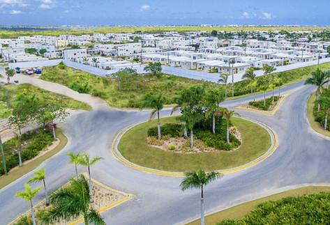 Calles asfaltadas en toda la zona perimetral