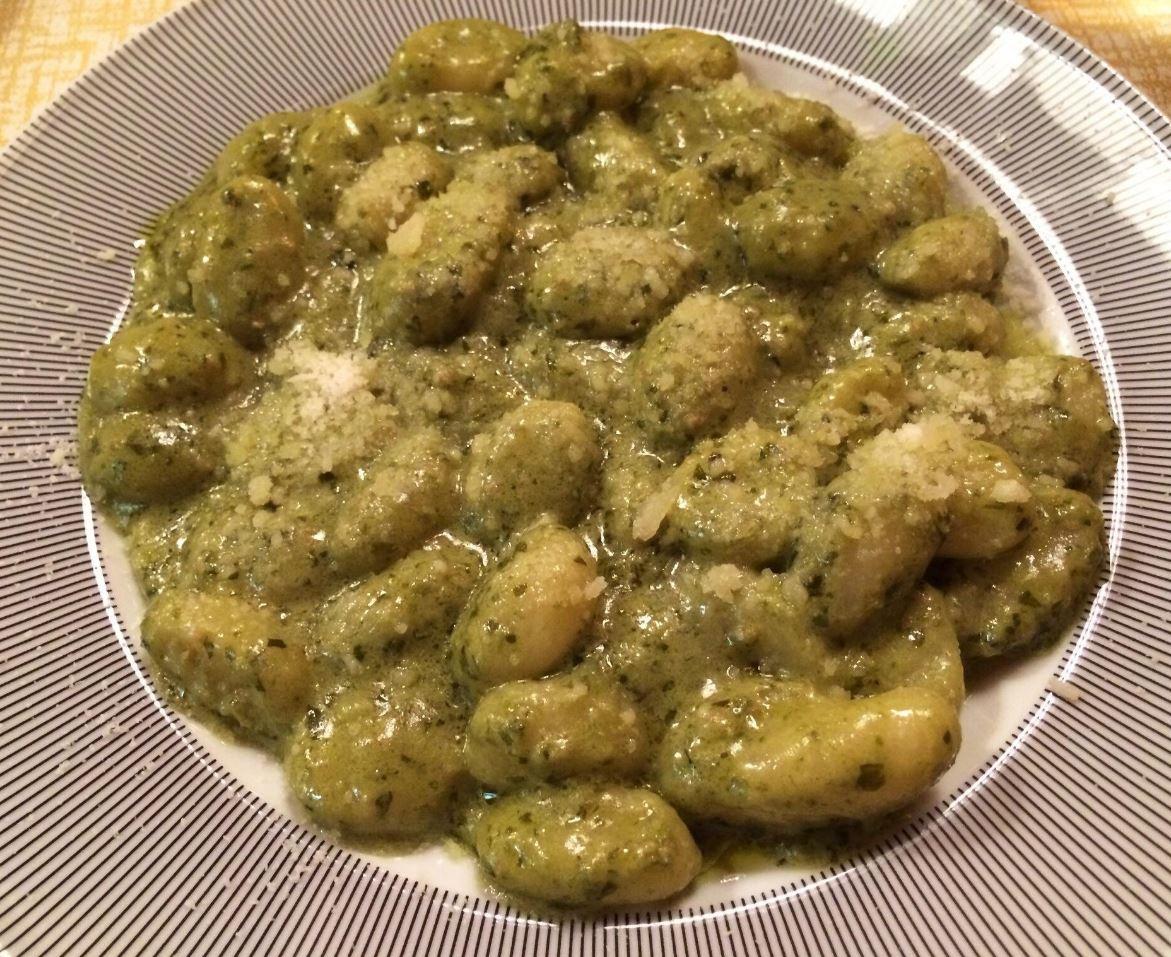 Primi Piatti-Gnocchetti Pesto