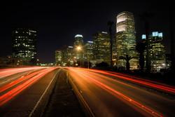 284281_city_-night_-lights_-la_-road_2800x1874_(www.GdeFon.ru).jpg