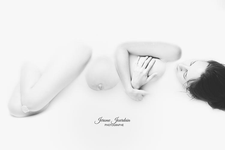 Assez Jerome Jourdain Photographe , tarifs , grossesse bain de lait GB97