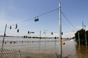 2011_Memphis_flooding[1]