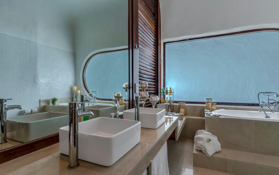 Main house bathoom
