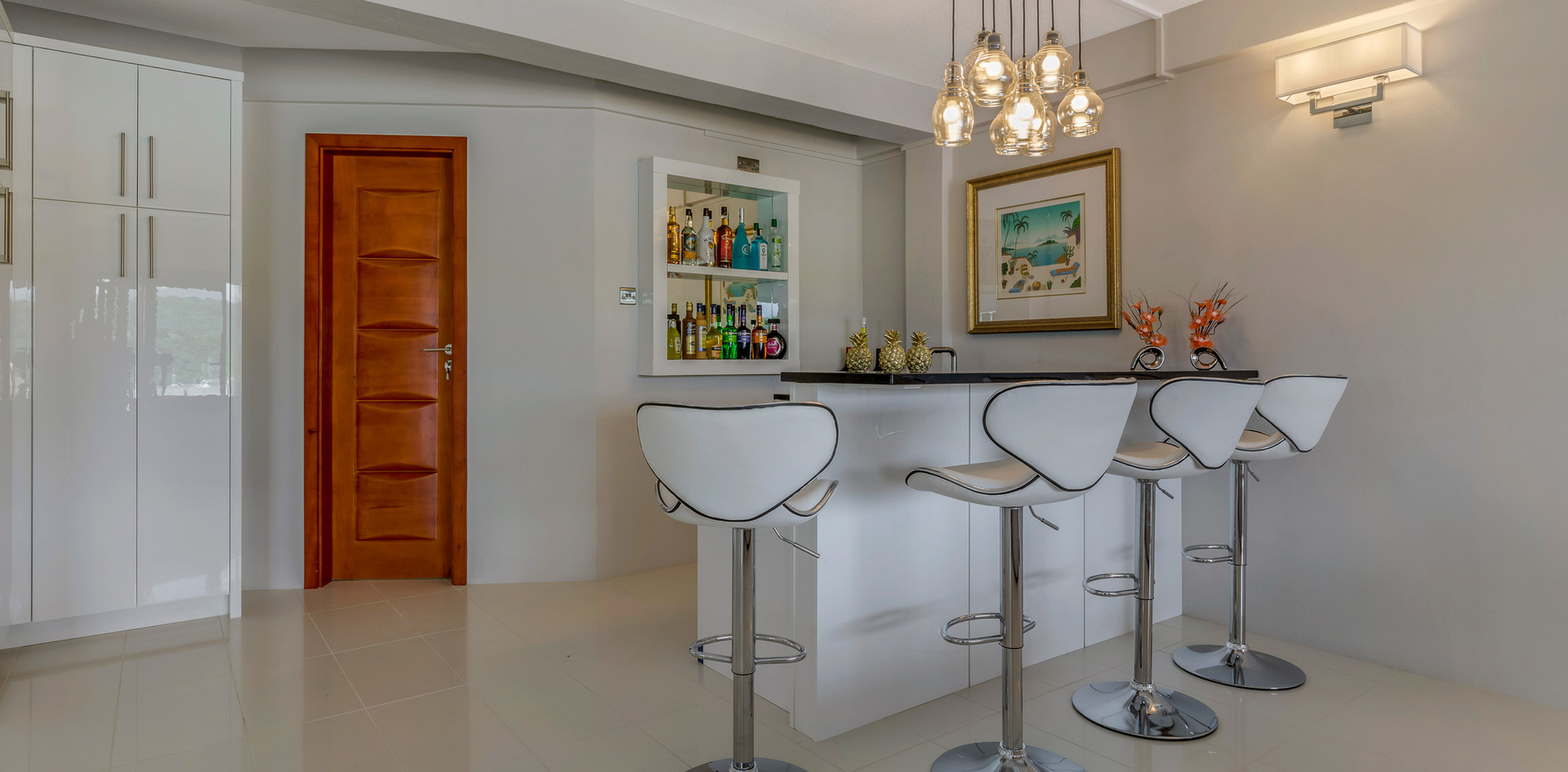 Wet bar in the sitting room