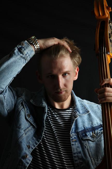 Erik Hempel PRO smalll.jpg
