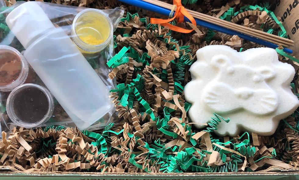 Paint Your Own Bath Bomb Kit - Lion