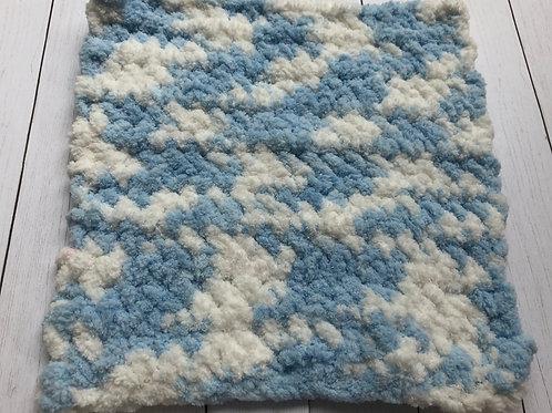 Crocheted Washcloth (Baby Blue/White))
