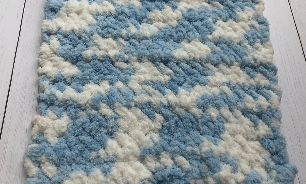 Crocheted Washcloth (Baby Blue/White))