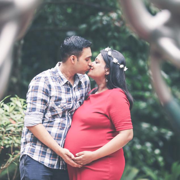Outdoor Maternity Shoot at Singapore Botanic Gardens