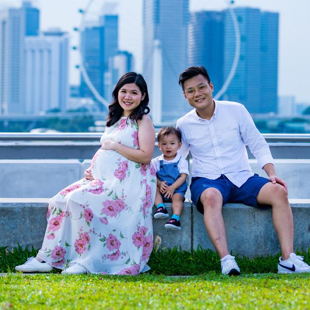 Outdoor Maternity Shoot at Marina Barrage, Singapore