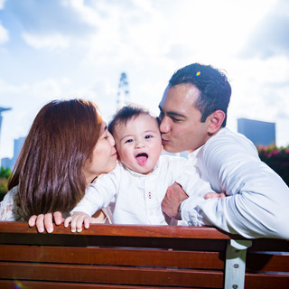 Outdoor Family Photography at Gardens By the Bay East