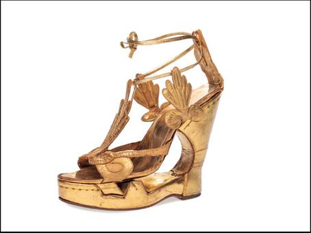 Passione scarpe: a Firenze una mostra sull'arte della calzatura dall'antichità a oggi