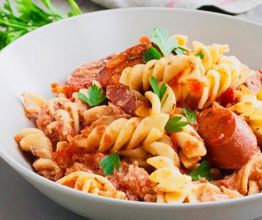 Fusilli avec saucisse italienne douce ..
