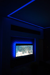 TV a stropný RGBW LED pás