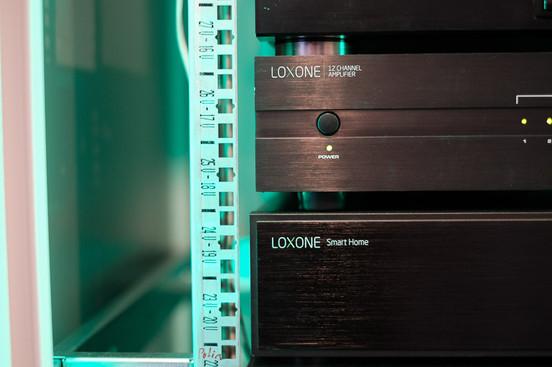 LOXONE Music Server + 12ch zosilňovač
