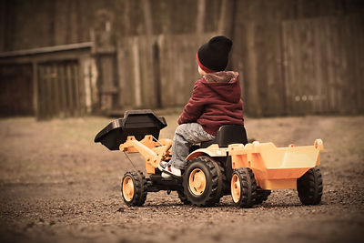 Yellow Tractor Therapy - Child and family therapy