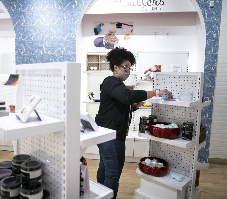 """""""Mall of America gives free space to small retailers impacted by pandemic riots"""""""