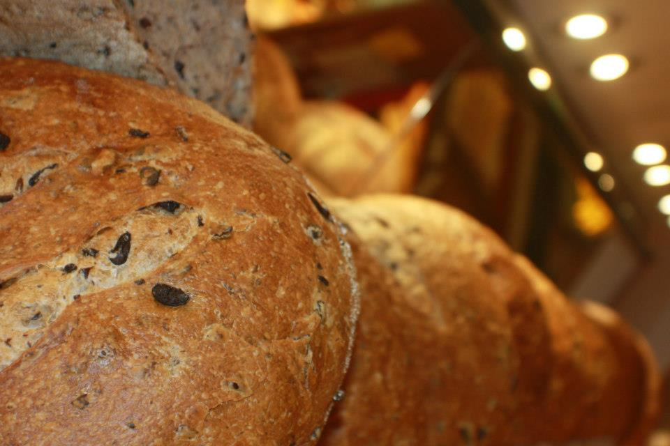 Pane con le olive taggiasche