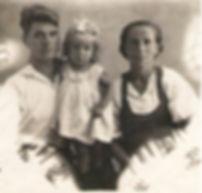 Перепалов Григорий Ильич, супруга Евдокия Григорьевна, дочь Неля г. Фрунзе - 1941 год