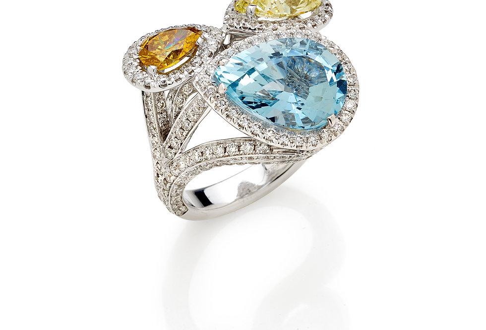 Anello in oro bianco diamanti e acquamarina.