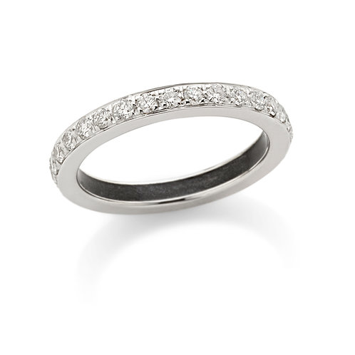 Fedina in oro bianco 18kt. e diamanti bianchi naturali.