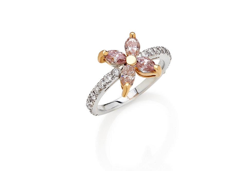 Anello in oro bianco e rosa e diamanti bianchi naturali.