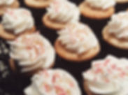 Mini vanilla cupcakes, how cute are thes
