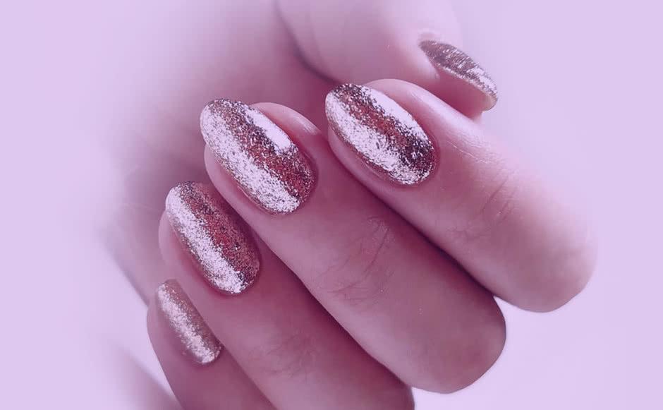 Дизайн ногтей Жидкая фольга
