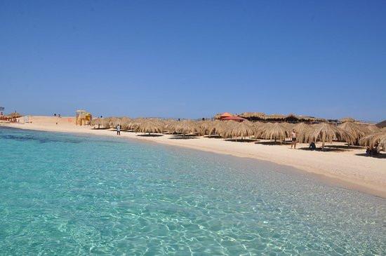 paradise-island-sandy (1).jpg