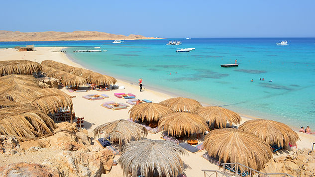omar-attia-hurghada-red-sea-boats.jpg