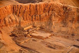 Hatshepsut temple (4).jpg