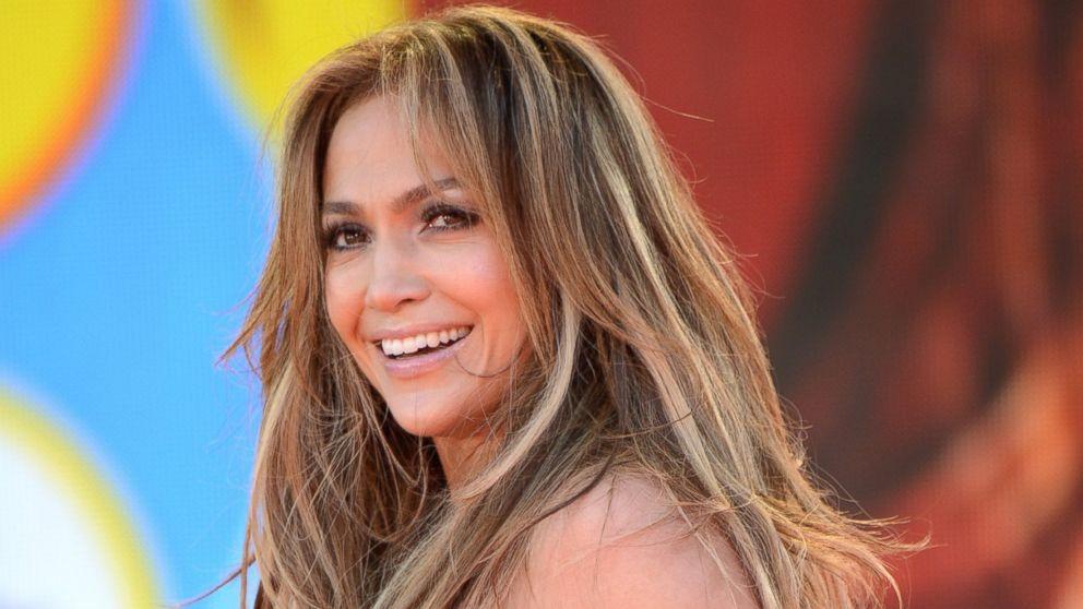 Jennifer-Lopez-000.jpg