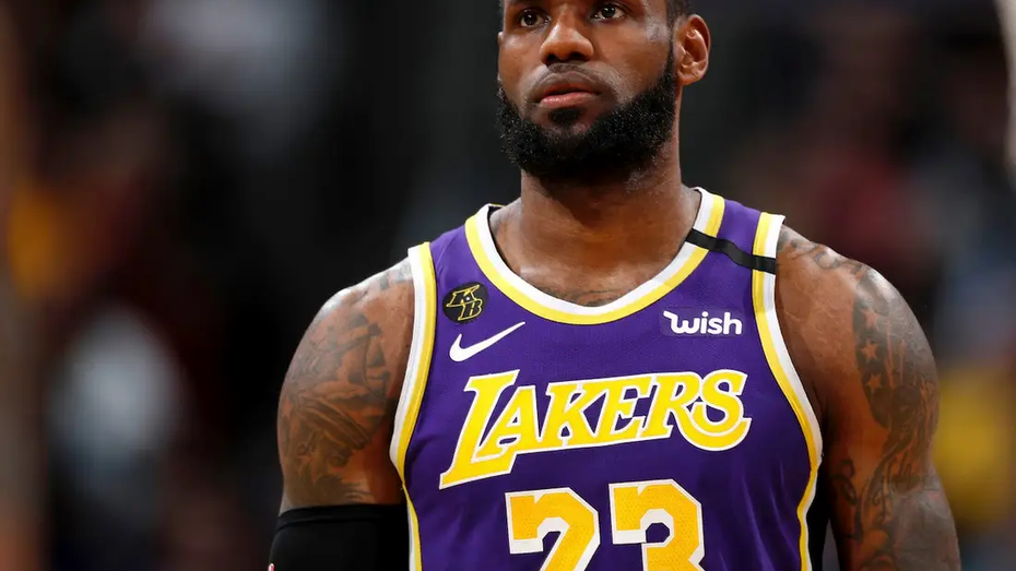 Lakers Star Lebron James Pledges to Help Pay Florida Felons' Fees to Allow them to Vote