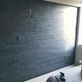פרקט על קיר
