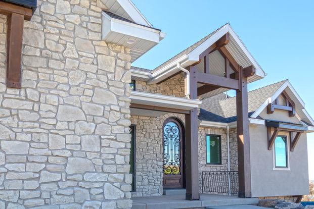Colonial White Ridgestone