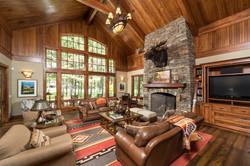 paradise-mountain-living-room