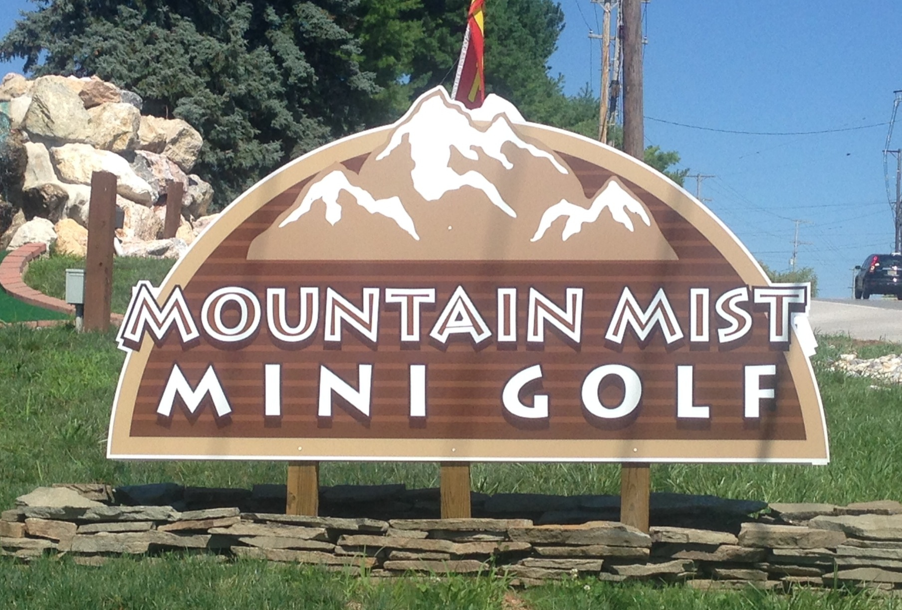Mt Mist mini golf sign
