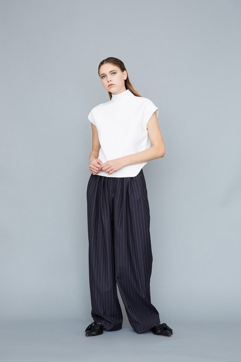 PANTALON AMPLE À PLIS
