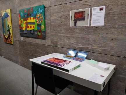 """Prototyp einer multimedialen Taststation zum Gemälde """"Colosseum"""" von A.R. Penck und künstlerischen Interpretationen im Projekt """"Museum mitgestalten"""" (Museum am Dom Würzburg, Wise 2019,20)"""