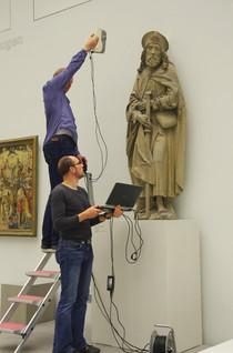 """3D-Scan des Hl. Jakobus von Tilman Riemenschneider für die Entwicklung von Tastmodellen durch Mitarbeiter des Rechenzentrums der Uni Würzburg (Projekt """"Blind im Museum – wie geht das?"""", Museum am Dom Würzburg, Wise 2014/15)"""