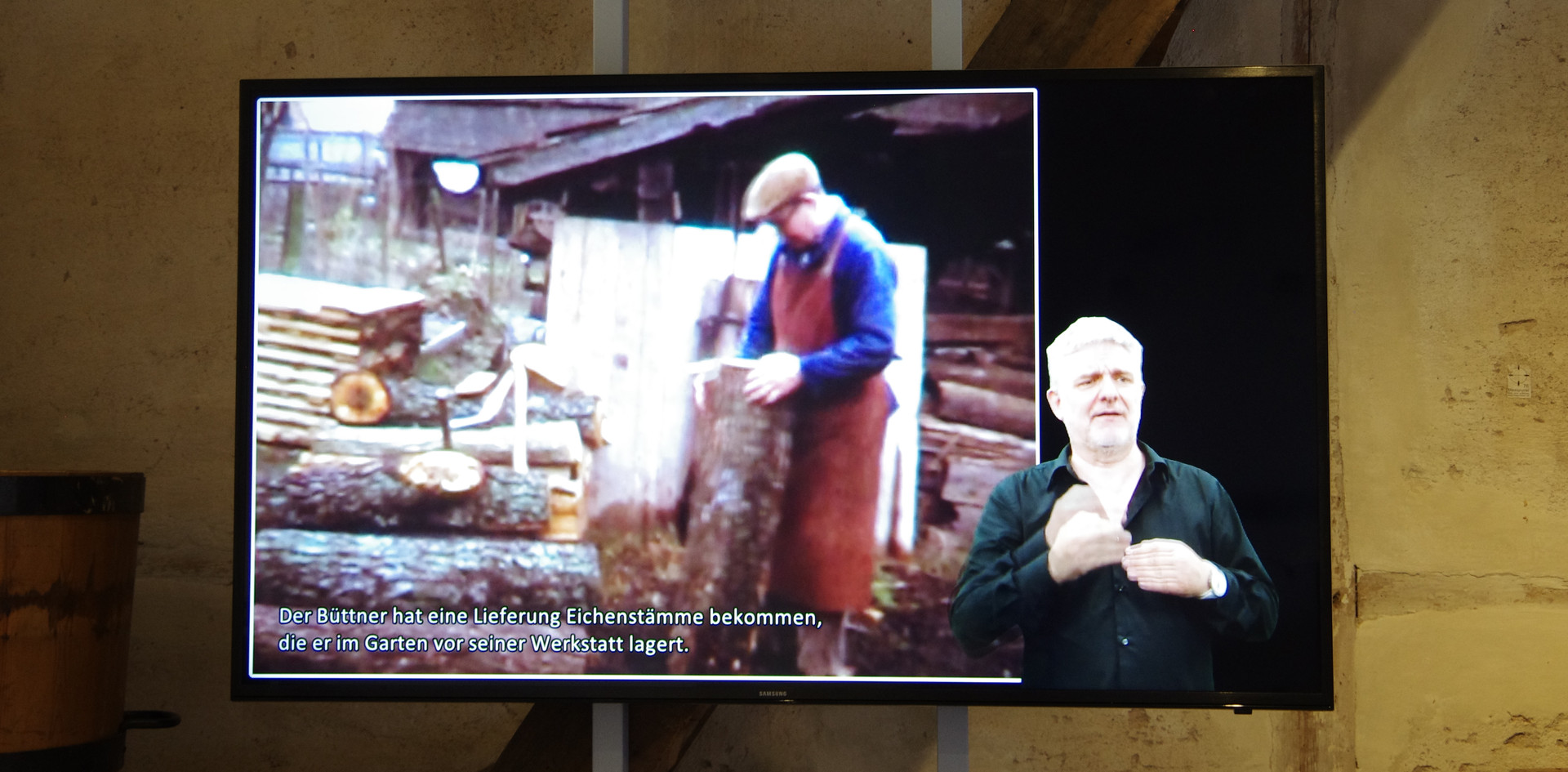 Filmdokument mit Untertiteln und Erklärungen in Deutscher Gebärdensprache