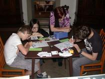 """""""Adel verpflichtet!"""" Projekttag mit Jugendlichen mit Hörbeeinträchtigung im Museum Schloss Aschach mit Fokus auf Visualisierung sowie Binnendifferenzierung (SoSe 2013)"""
