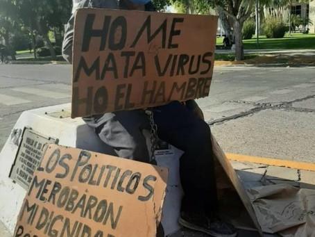 Polémica por la detención de un abuelo que se encadenó en la Plaza 25 de Mayo