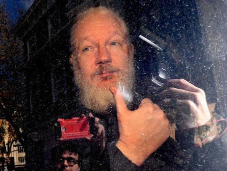Trump le ofreció el indulto a Assange si el fundador de WikiLeaks colabora