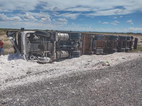 Impactante siniestro vial de un camión de carga en 25 de Mayo