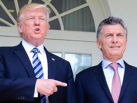 Macri le regala un decreto a su amigo Trump