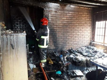 Jugando con un encendedor,una nena causo un feroz incendio en su casa.