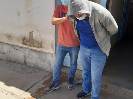 Ingresaron armados a un negocio, amenazaron y golpearon a sus dueñas y se llevaron de $200000 pesos