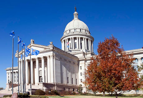 oklahoma-state-capitol-building-17060828