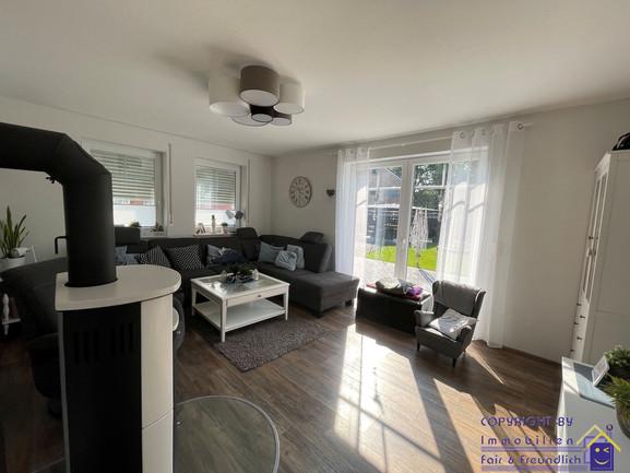 16-ff-251-wohnzimmer.jpg