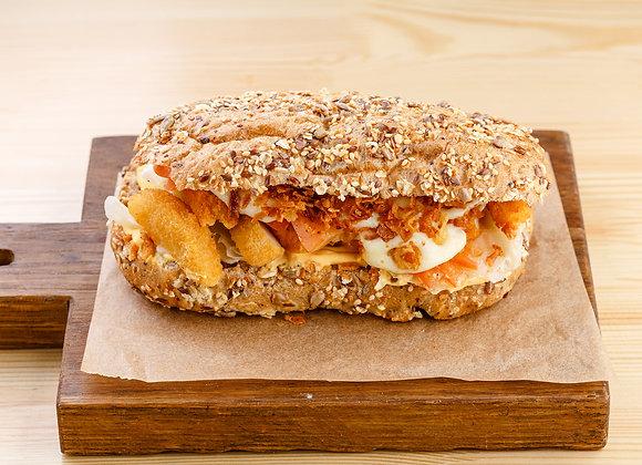 Сэндвич с куриной грудкой в панировке